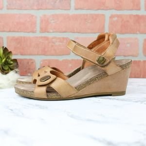 Taos Wedge Sandals Tan Leather 38